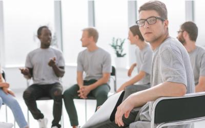 Oui, les réunions de plus de 150 personnes peuvent être efficaces ! Entrez dans le monde du Forum Ouvert.
